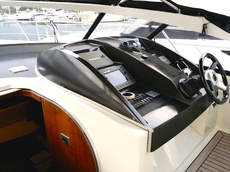 17m-Motoryacht-Cockpit1
